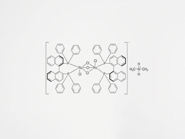 304 二甲铵二氯三(μ-氯)二[(R)-(+)-2,2′-二(二苯基膦基)-1,1′-联萘基]二钌酸盐(II)